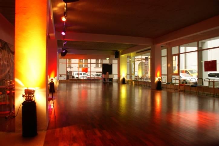 DT-Die-Tanzschule-am-Deutschen-Theater